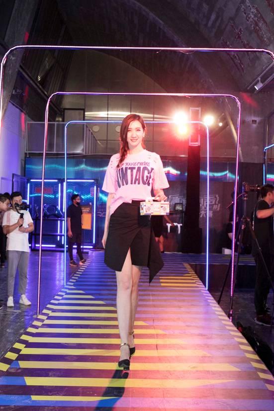 798迎别样潮流展 蓝鸟潮物大赛携手VaVa引爆京城