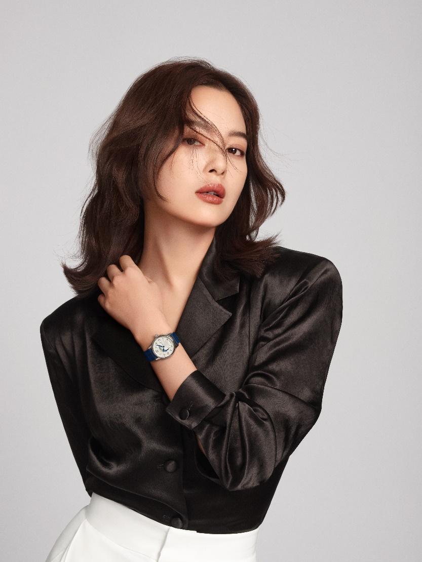 万宝龙品牌大使辛芷蕾自信演绎宝曦系列腕表新作